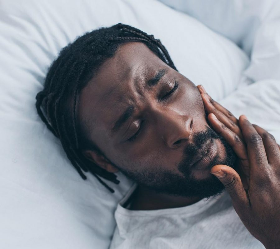 African man jaw pain